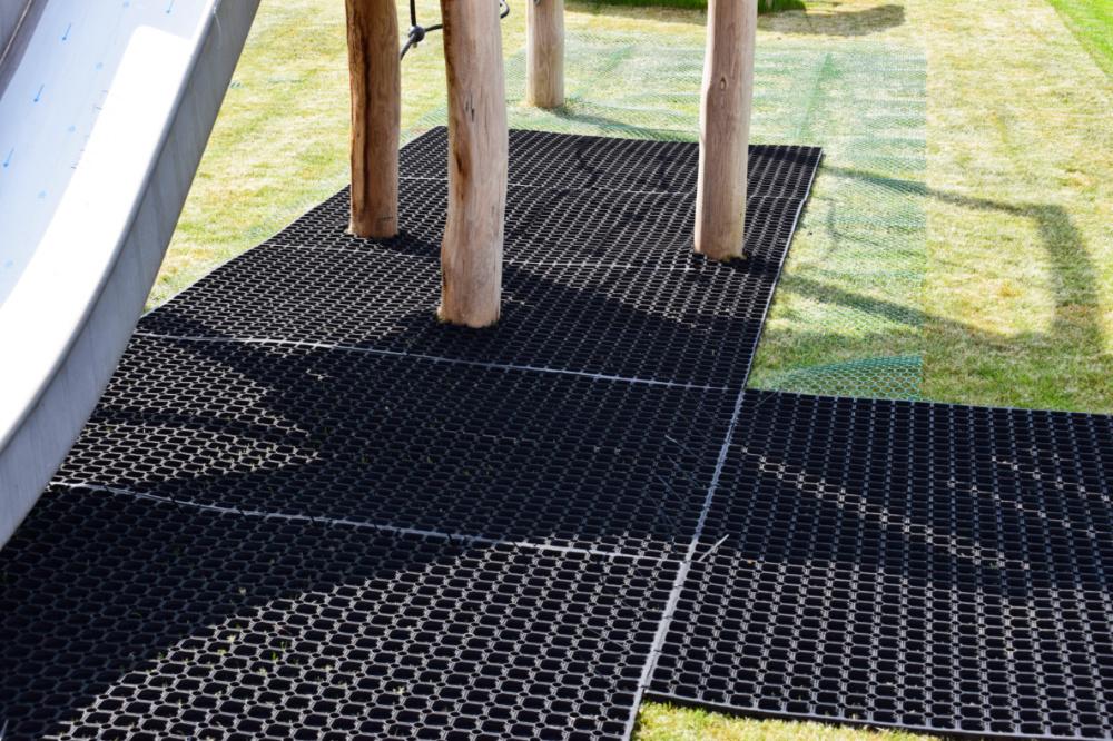 rubbagrass installations