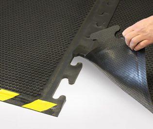 Oil Resistant Comfort Mats